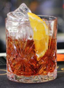 Ein Drink schmeckt besser mit Eiswürfeln