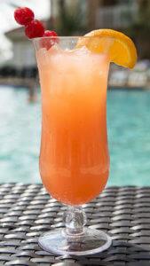 solche Cocktails gelingen mit einer Eiswürfelmaschine